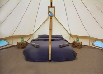 Szállás és BeachFront Camping jegy